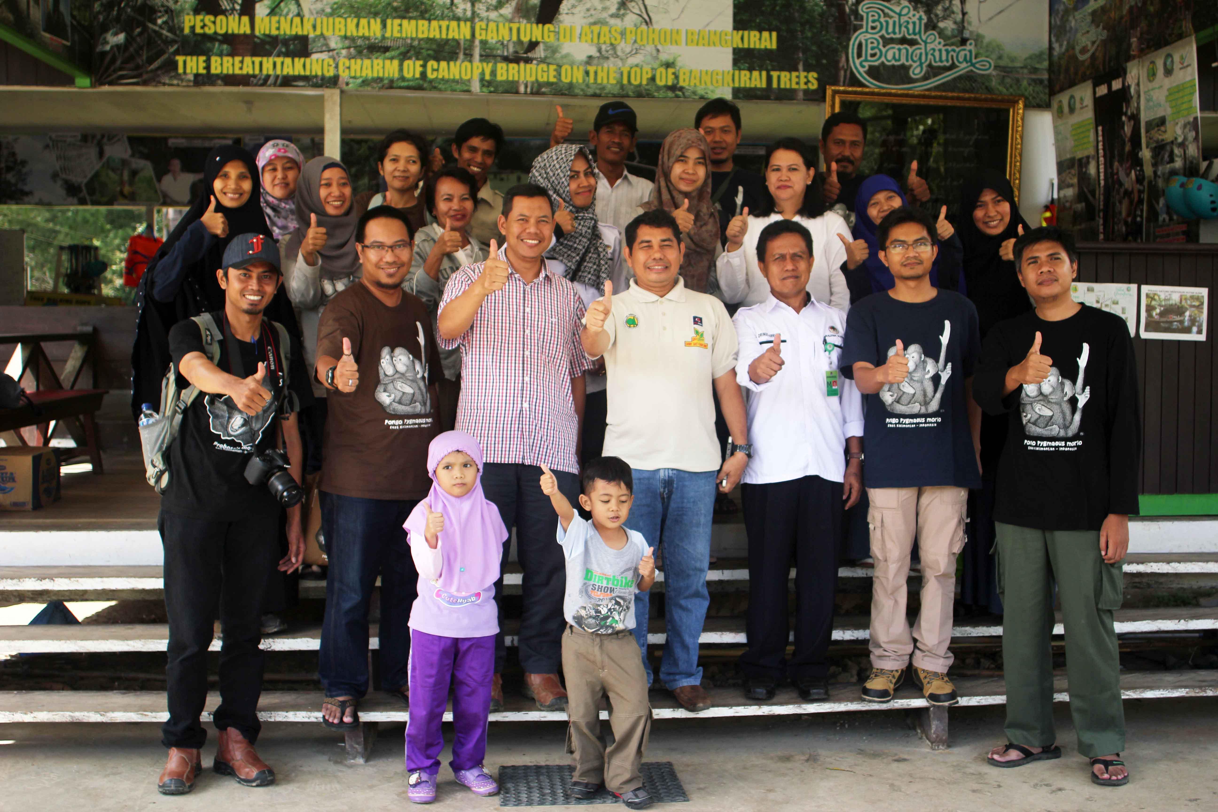 Hunting Foto dan Berita di Bukit Bangkirai