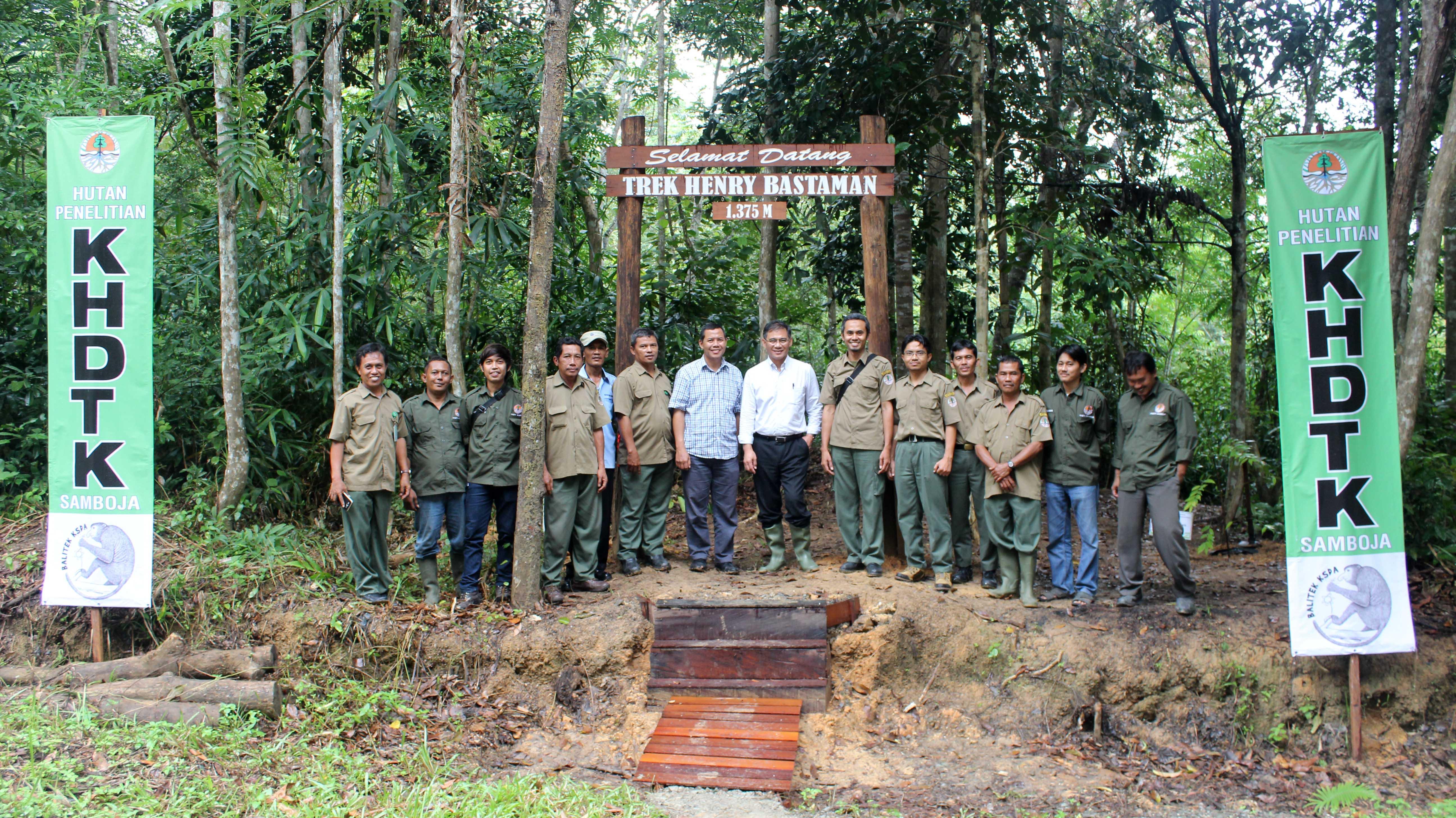Peresmian Trek Henry Bastaman, Penandatanganan Prasasti Pusat Penelitian Orangutan dan Kerjasama Balitek KSDA dengan Para Pihak